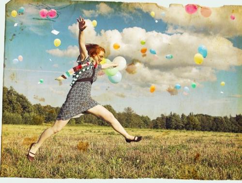 {yellow balloons + recap of 1st wedding anny (06.07.09)}