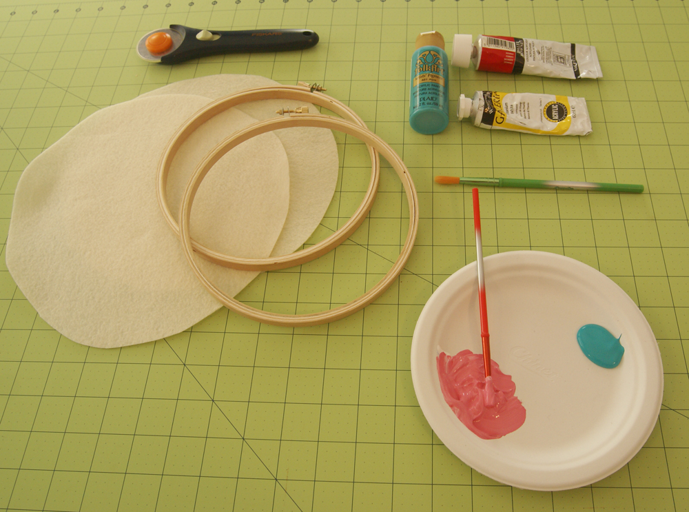 {saturday craft: painted embroidery hoops}