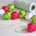 DIY-paper-ball-garland
